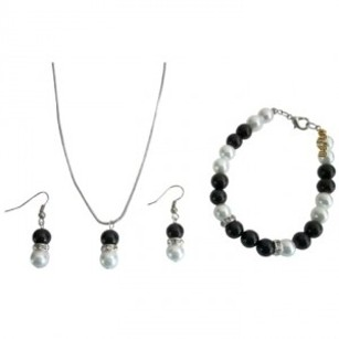 Fashion Jewelry In Black & White Pearls Necklace Earrings Bracelet