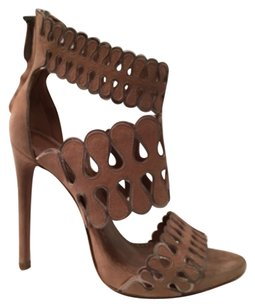 ALAÏA Chair/Rhod Sandals