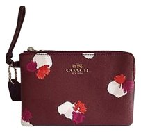 Authentic Coach Corner Zip Wristlet In Field Flora Print Coated Canvas F66175. Wristlet