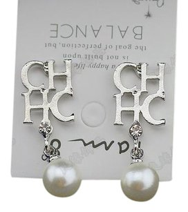 BALANCE INTIAL CHHC EARRINGS, Pierced With Pearl