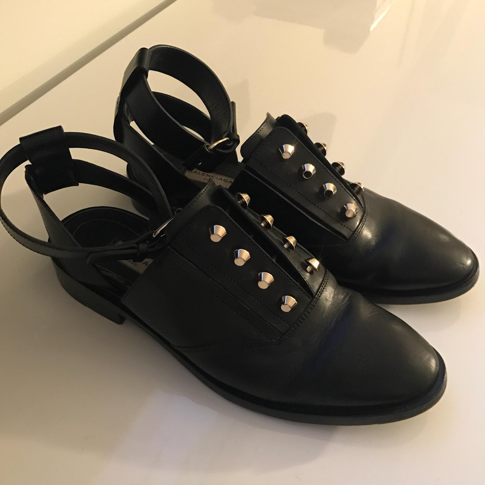 Balenciaga Embellished Leather Oxfords w/ Tags looking for authentic cheap price 6vQqc6BP5