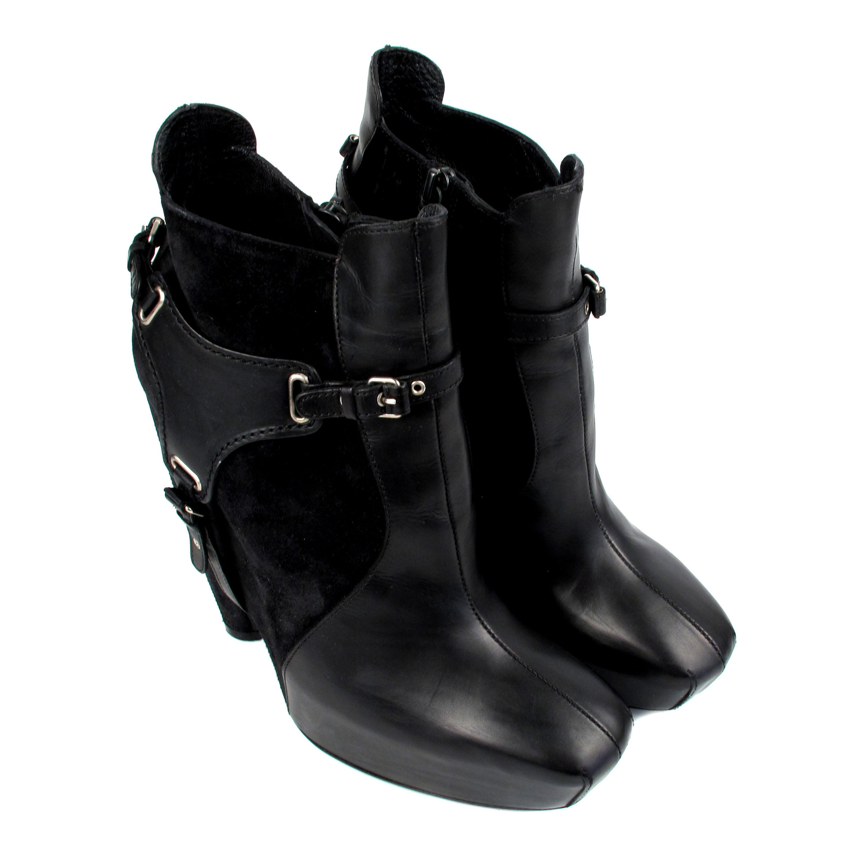Black Boots With Silver Heel