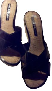 Bandolino Wedge Patent Black & Tan Sandals