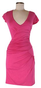 BCBGMAXAZRIA Ruched Twist Shift Sheath V-neck Dress