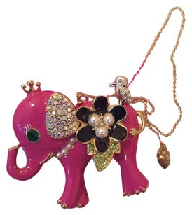 Betsey Johnson Pink Elephant necklace