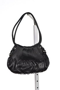 Bodhi Womomens Textured Leather Handbag Satchel in Black