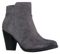 Breckelle's Gray Boots
