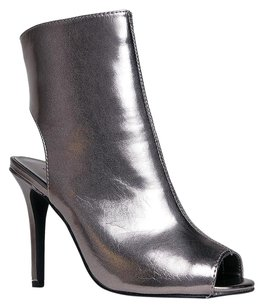 Breckelle's Silver Boots