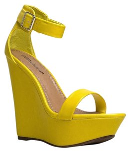 Breckelle's Yellow Wedges