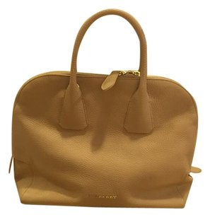 Burberry Leather Tote in Nude