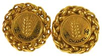 Chanel AUTHENTIC CHANEL VINTAGE CC LOGOS BUTTON EARRINGS GOLD-TONE CLIP-ON S01799