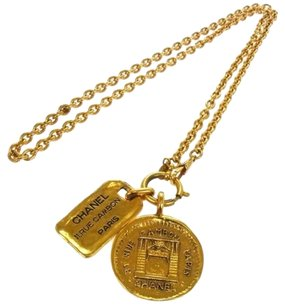Chanel Authentic CHANEL Vintage CC Logos Medallion Gold Chain Necklace France B23042