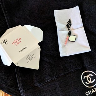 Chanel Beaute New Chanel VIP Rouge Coco Keychain
