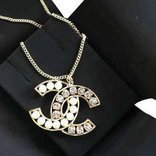 Chanel Chanel CC Pearl Crystals Logo Necklace Pendant