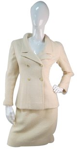 Chanel Chanel Creme Boucle Wool Skirt Jacket Suit Buttons