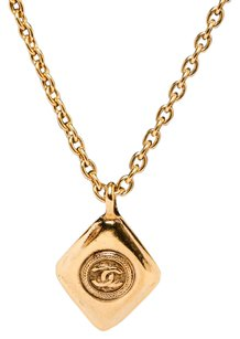 Chanel Chanel Gold Vintage CC Diamond Shape Pendant Necklace