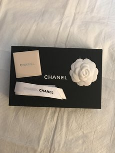 Chanel Chanel wallet-sized box brand new (UNUSED)