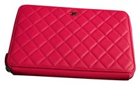 Chanel Pouch Quilted fuchsia Clutch