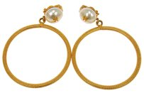 Chanel RARE AUTH CHANEL VINTAGE CC LOGOS IMITATION PEARL EARRINGS CLIP-ON FRANCE W27322