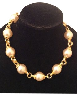 Chanel RARE VINTAGE CHANEL SEASON 29 GOLD PLATED GLASS PEARL NECKLACE