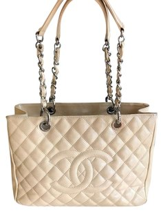 Chanel Tote in beige