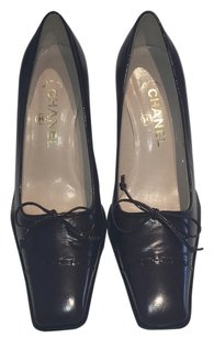 Chanel Vintage Work Bordeaux Pumps