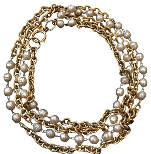 Chanel vintage Chanel pearl and gold chain
