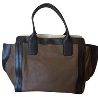 Chlo Chloe Leather Tote East-west Satchel in Taupe/Black