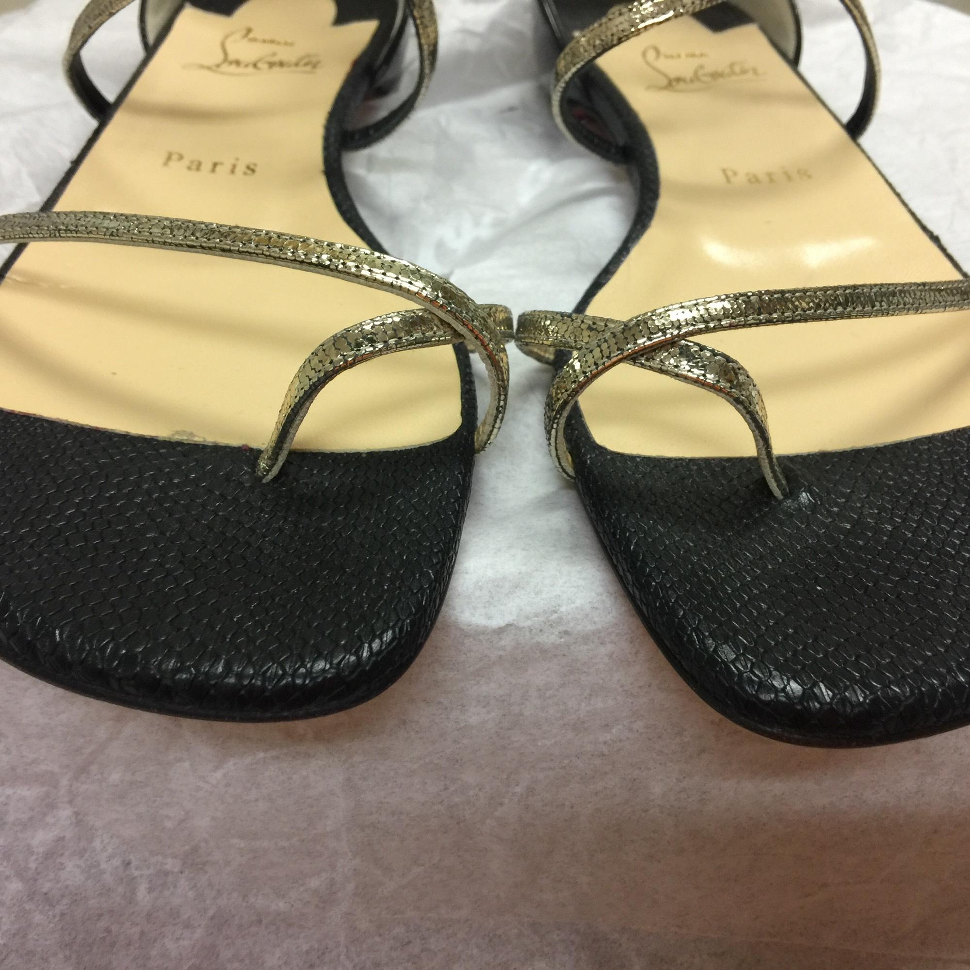 462c0a329c9071 727aa 4c125  uk christian louboutin antigua bay flat black platinum sandals.  123456789 3e5dd e70ff