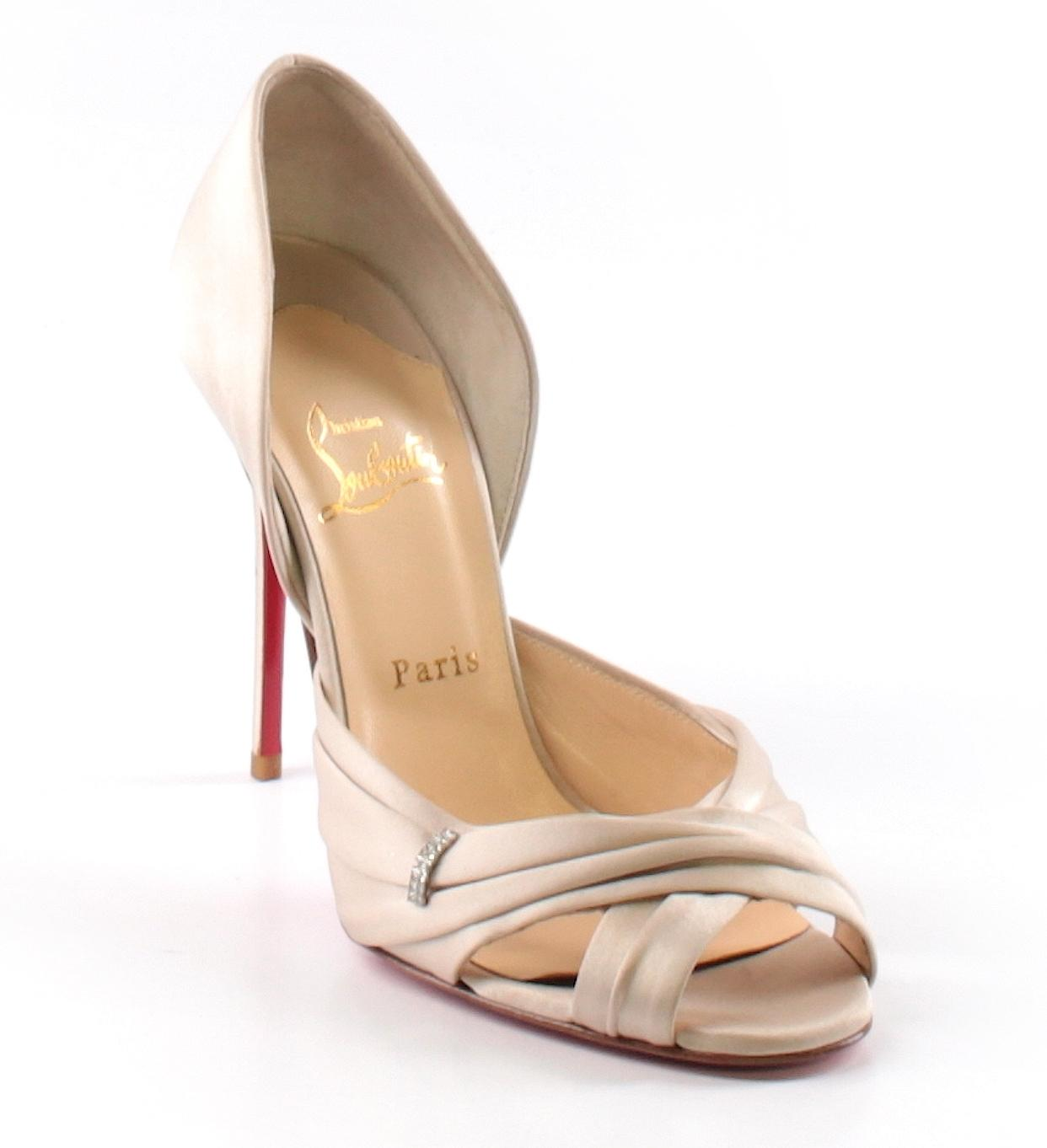 louboutin evening Beige