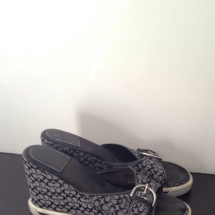 coach adele black and white sandals on sale 39