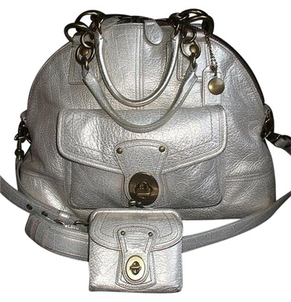 Preload https://item3.tradesy.com/images/coach-francine-legacy-bowling-style-shopper-satchel-silverplatinum-metallic-leather-tote-3017227-0-0.jpg?width=440&height=440