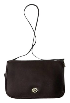 Preload https://item3.tradesy.com/images/coach-vintage-classic-convertible-messenger-purse-made-in-united-states-brown-leather-shoulder-bag-682612-0-0.jpg?width=440&height=440