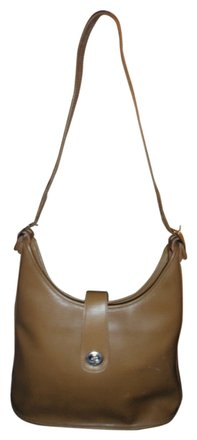 Preload https://item3.tradesy.com/images/coach-vintage-tan-leather-shoulder-bag-951342-0-0.jpg?width=440&height=440