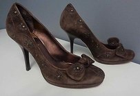 Cole Haan Suede Cutout Floral And Bow Accent Stacked Heel B2919 Brown Pumps