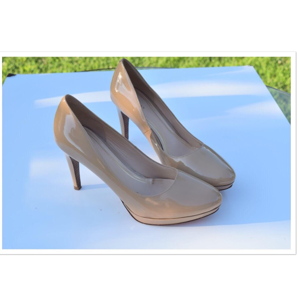 Cole Haan Natural Patent Leather Pumps Size US 10.5 Regular (M, B)