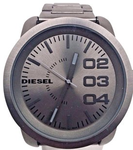 Diesel Diesel Dz1558 Mens Franchise Gunmetal Stainless Steel Grey Dial Watch Broken