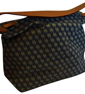 Dooney & Bourke & Db Sack Leather Strap Shoulder Bag