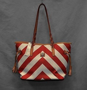 Dooney & Bourke Bailey Chevron Gv319 Tote in Red/White