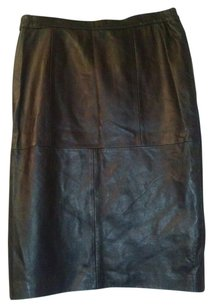 e's boutique New Lambskin Leather Backzipper Split Skirt black
