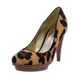 Elaine Turner Womens Multi/Print Pumps