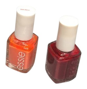 Essie Set of 2 nail polishes