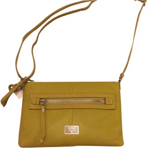 Fossil Leather Zip Top Cross Body Bag