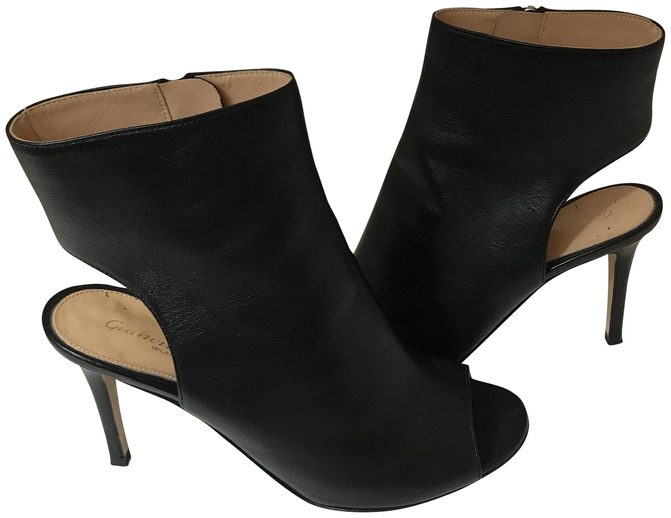 Gianvito Rossi Black 10918 Leather Peeptoe Cut Out Booties Pumps Size EU 37 (Approx. US 7) Regular (M, B)