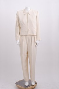 Giorgio Armani Giorgio Armani Ivory Cream Crepe Zip Jacket And Pleat Front Tapered Pant Suit8