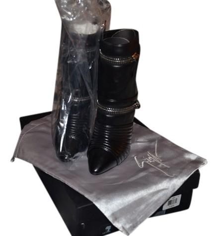 Giuseppe Zanotti Black Quilted Moto Ankle 39 (9 Us)~black Boots/Booties Size US 9 Regular (M, B)