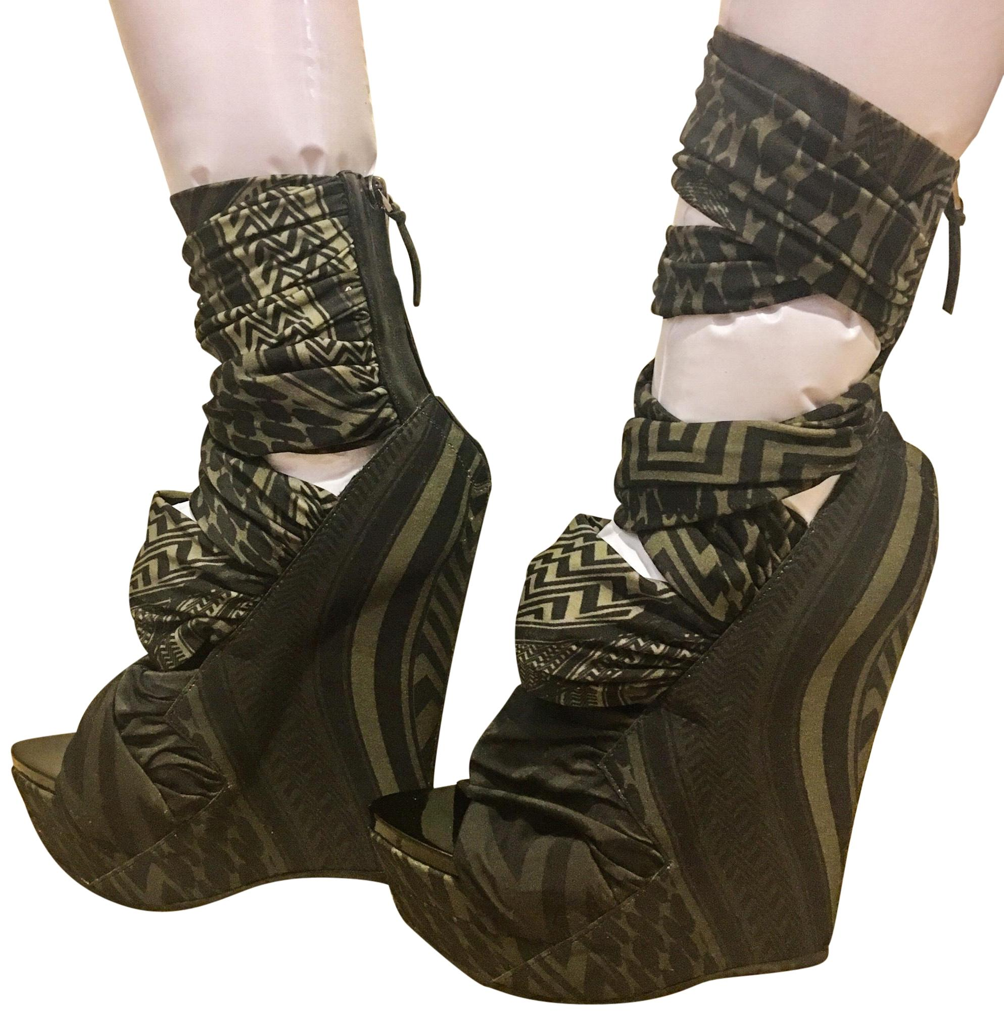 Givenchy Green and Black Jersey Collection Wedges Size EU 38 (Approx. US 8) Regular (M, B)