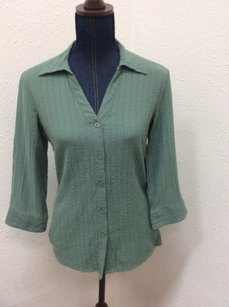 GNW Great Northwest Clothing Olive Button Up Flaw Top Green