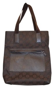 Gucci Black Dust Tote in Brown