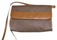 Gucci Two-way Style Shades Of Rare 'gucci' Cross Body Bag